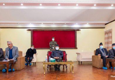 माधव नेपाल सहित ४ नेताको कारवाही फुकुवा